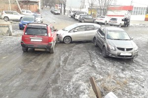 ДТП с участием трех автомобилей на улице Замараева