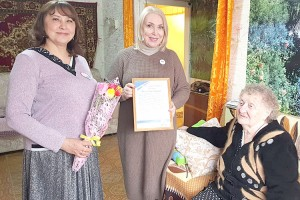 Маиса Михайловна радушно встречала гостей