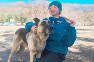 Полина Алтухова тренируется вместе с верным другом