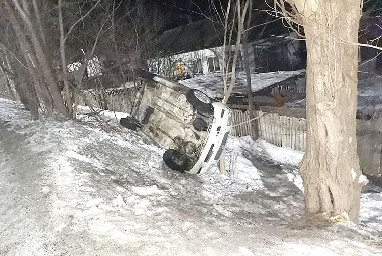 Водитель съехал с дороги на улице Партизанской