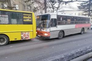 ДТП с участием двух автобусов на улице Ленинской