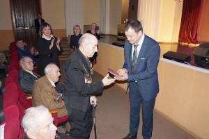 Юбилейные медали к 75-летию Великой Победы - тем, кто победил и пережил военное лихолетье