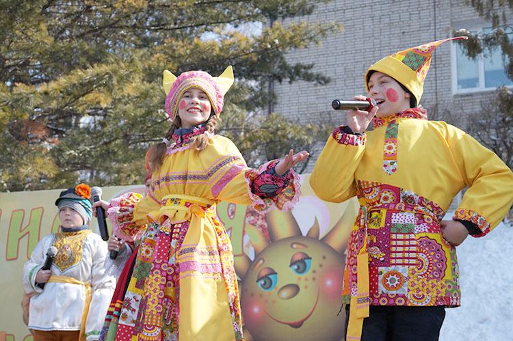 Яркое представление в народных традициях