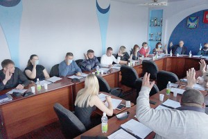 Депутаты поддержали обращение предпринимателей к губернатору Приморья с просьбой открыть торговые центры