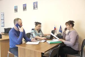 В первые дни работы центра волонтеры обзвонили около двухсот пенсионеров