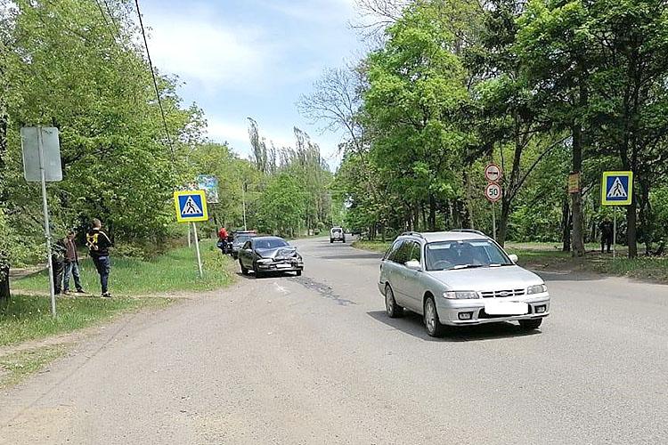 На Ленинской столкнулись два автомобиля