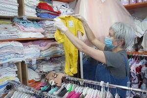 Небольшим магазинам снова можно торговать, но при определенных условиях