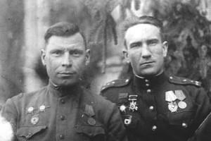 Виктор Никитович Моисеенко с боевым товарищем