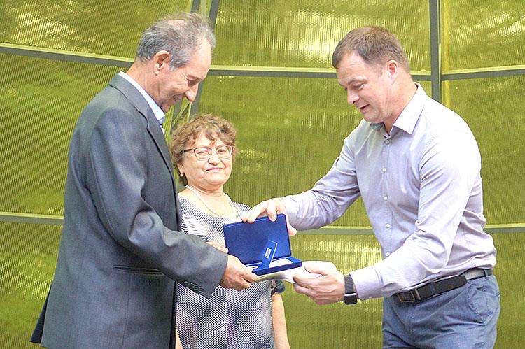 Награды «За любовь и верность» удостоены семьи Бандюковых и Харисовых