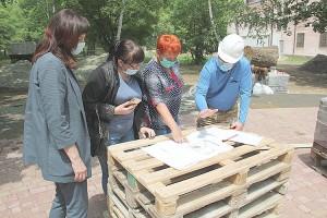Общественные наблюдатели контролируют работы в горпарке и в сквере Лозового
