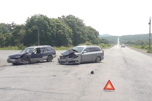 Причина ДТП - нарушение правил проезда перекрестка