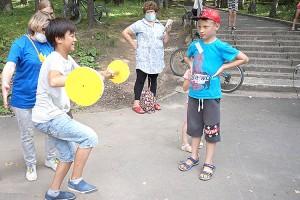 Здоровье и спорт лучше выбирать с детства, играя вместе с друзьями