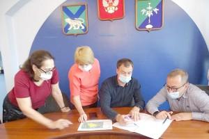 Олег Бондарев: «Все общественные территории для округа значимы и должны со временем преобразиться»