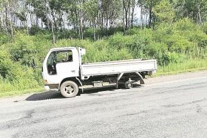 «Сбежавшее» колесо грузовика повредило попутный автомобиль