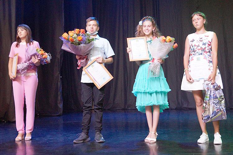 Премия главы - лучшим из молодежи