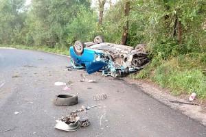 Бросив в авто пассажиров, погибшего и раненого, водитель сбежал с места ДТП