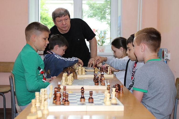 К «живым» занятиям очень хотят вернуться и артисты, и шахматисты