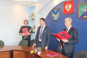 Среди награжденных - директор школы №6 Елена Штурмина