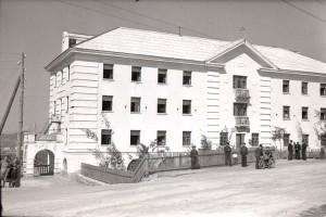 В 1957 году в здании общежития открыли ночной санаторий для шахтеров