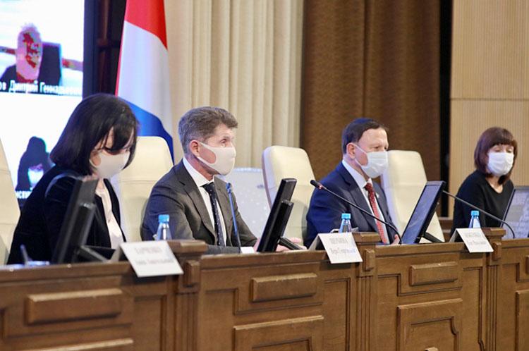 В этом году впервые бюджет Приморья обсуждали вместе с жителями края
