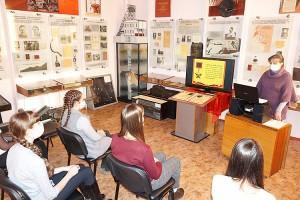 О героях, защищавших нашу Родину, школьникам рассказывали в музее истории города