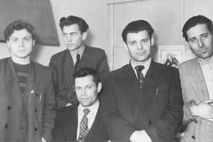 Алексей Нещадим (второй справа) - редактор «Красного сучанца»