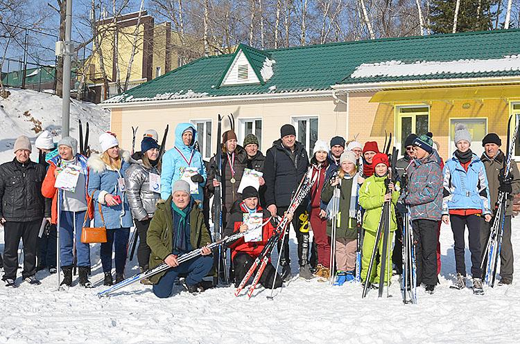В муниципальном этапе лыжной гонки приняли участие около тридцати спортсменов