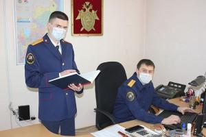 Руководитель Следственного отдела Василий Абузов и старший следователь Андрей Кузьмичев