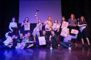 Среди участников - вокалисты, чтецы, танцоры и фотографы