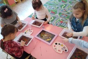 В детсады Партизанска принимают малышей и из соседнего района