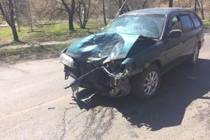 На улице Гоголевской автомобиль столкнулся с мотоциклом