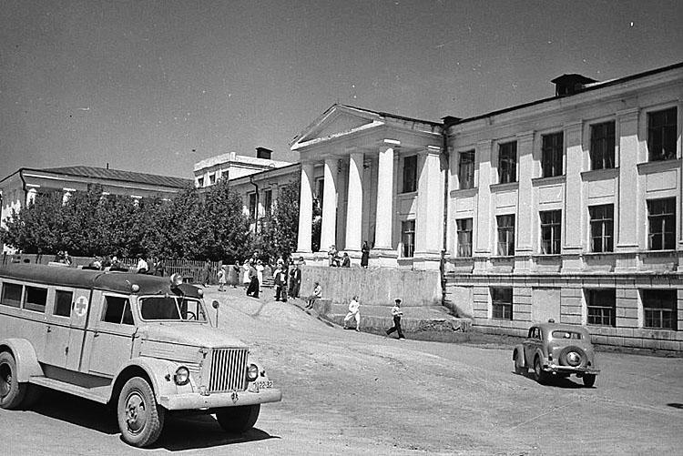 Нынешнее здание городской больницы №1 было построено в 1938 году на 114 коек