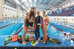 Тренер Евгения Ермакова и ее «золотые рыбки»
