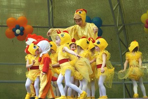 Самые маленькие артисты - танцующие цыплятки