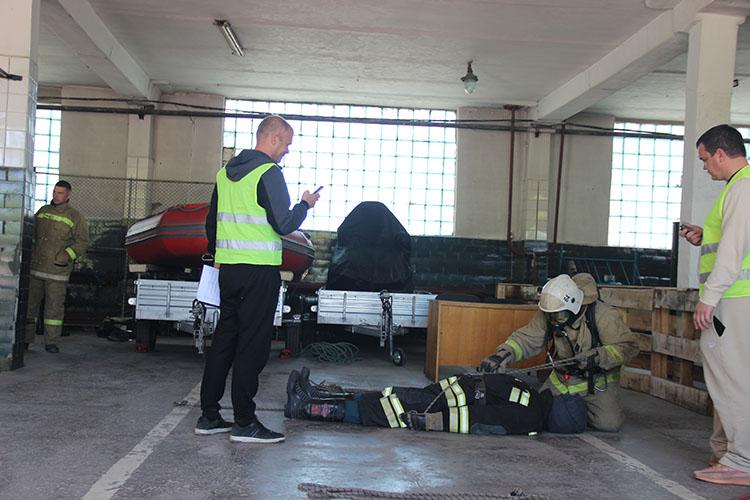Вязка спасательной петли - важный навык для пожарного