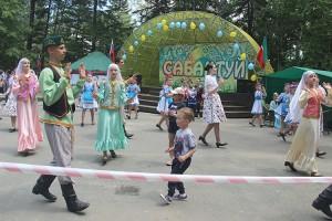 После мастер-класса танцоры исполнили татарский танец вместе со зрителями