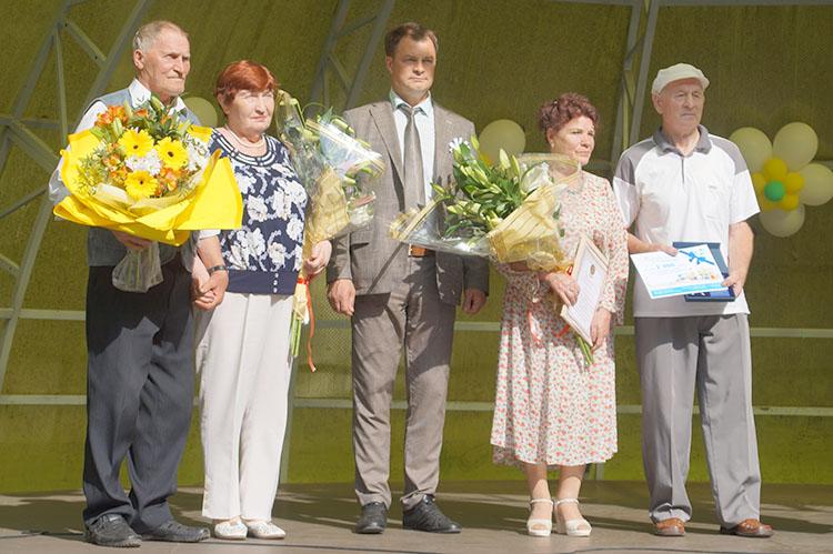 Медалей «За любовь и верность» удостоены семьи Макуха и Симановских