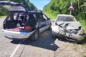 Водитель Тoyota Сorolla не выдержал дистанцию, в результате - авария