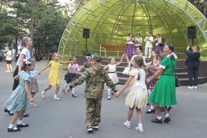 Дальневосточную Победу отметили песнями и танцами военных лет