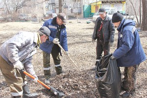 Работники управляющих компаний надеются на активную помощь жителей в проведении субботников